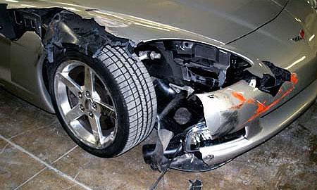 Мастер автосервиса разбил Corvette клиента