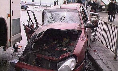 В Ростовской области столкнулись пассажирский автобус и автомобиль