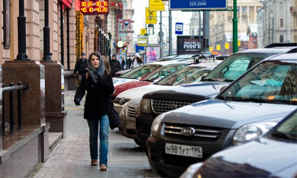 Пешеходов отгородят от автомобилей ограничительными столбиками