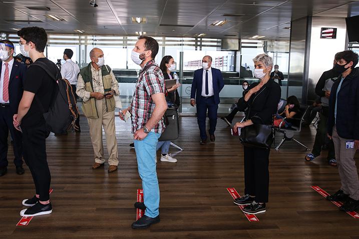 Очередь в аэропорту им.Сабихи Гекчен, Стамбул