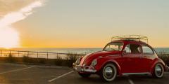 Zelecrtric  Компания Zelectric из Сан-Диего конвертирует старые «Фольксвагены» в электромобили, будь то «Жук», микроавтобус Bulli и даже армейский внедорожник VW 181. Кроме того, американцы переделали в электромобиль Porsche 911S Targa 1973 года выпуска. Спорткар получил 190-сильный электромотор, позволяющий ему разгоняться до 100 км/ч за 7 секунд.