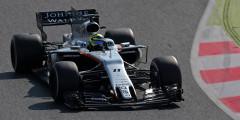 Force India VJM10 Пилоты: Серхио Перес, Эстебан Окон  Индийская Force India построила одну из самых стильных и запоминающихся машин нового сезона. Только у этой команды на носу сохранились «ноздри»: вытянутые прорези, необходимые для отвода воздуха под днище машины. При ближайшем рассмотрении оказалось, что инженеры убрали из «ноздрей» передние перегородки – и центральная часть превратилась в один большой и длинный нос. Гармоничный вид болида VJM10 подчеркивает новый дизайн: в Force India отошли от серо-оранжевых мотивов в пользу ярко-белой раскраски, и это пошло болиду на пользу. Чистый плавник VJM10 выглядит словно пустой лист бумаги – пока это лучшая метафора сезона-2017.