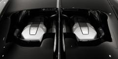 Уже одним своим видом двигатель Bugatti Chiron дает понять, что перед нами произведение искусства. 8,0-литровый мотор W16, оснащенный четырьмя турбонагнетателями, выдает 1500 л.с. и 1600 Нм крутящего момента, доступных уже с 2000 оборотов в минуту
