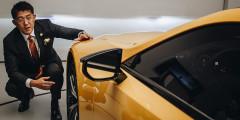 Флагманское купе представлял главный инженер проекта LC господин Коджи Сато. Он в том числе рассказал об особенностях авангардного дизайна новинки.