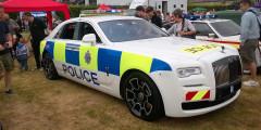 Rolls-Royce Ghost  В июле 2017г. компания Rolls-Royce передала в пользование полиции британского Суссекса седан Ghost. Возможно, с тех пор количество мелких преступлений в городе увеличилось. Наверняка, всем мальчишкам очень хочется покатиться на 603-сильном люксовом автомобиле, пускай и в наручниках.