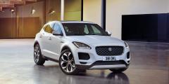 Jaguar E-Pace  Мировая премьера Jaguar E-Pace состоялась только во Франкфурте. И это при том, что уже известны даже российские цена на кроссовер. Стоимость самого дешевого — 2455000 рублей. Первые машины появятся у дилеров весной 2018 года.