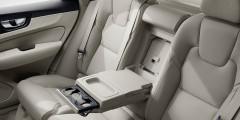 В салон XC60 не проникает ни одного лишнего звука - шумоизоляция у автомобиля прекрасная.