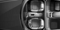 Несмотря на отсутствие рулевой колонки на рисунках, Autonews.ru известно, как выглядит «баранка» будущего лимузина. Руль сделан на ретро манер двухспицевым. На самих спицах расположены блоки клавиш управления бортовым компьютером и мультимедийной системой. Все кнопки — аналоговые, без сенсорных решений.