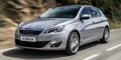 Peugeot 308 Продано в феврале: 3 автомобиля  Некогда популярный и доступный хэтчбек Peugeot 308 значительно подорожал из-за курса рубля. Базовый пятидверный вариант со 150-сильным мотором и «автоматом» стоит более полутора миллиона рублей. Как результат, за весь прошлый год было продано менее сотни автомобилей, а в феврале 2017 г. – только три.