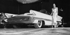2. Lincoln Futura, автосалон в Чикаго, январь 1955 года