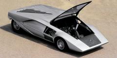 Lanciа Stratos Zero  В 1968 г. студия Bertone показала концепт Alfa Romeo Carabo авторства Марчелло Гандини и ввела моду на клиновидные кузова. Спустя два года она представила еще более необычный концепт Lancia Stratos Zero высотой всего 84 сантиметра. Пассажиры попадали внутрь через подъемное лобовое стекло, а треугольный капот напоминал парус. Stratos Zero позже попадет в музыкальный фильм «Лунная походка» Майкла Джексона.