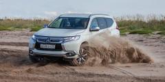 Mitsubishi Pajero Sport  До недавнего времени Mitsubishi Pajero Sport в России продавали только с бензиновым мотором мощностью 209 лошадиных сил. И именно эта версия может попасть под новые акцизные ставки — доплата составит без малого 100 тыс. рублей.