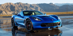 Chevrolet Corvette Z06 (200 000 руб. в год)   Мотор V8 c отдачей 659 л.с. и 881 Нм, разгон до 100 км/ч за три с небольшим секунды, максимальная скорость выше 300 км/ч— у Chevrolet Corvette в версии Z06 с приводным нагнетателем характер настоящего суперкара. Стоит «Корвет» около 9 млн руб. и предлагается либо с 7-ступенчатой «механикой», либо с 8-ступенчатой АКП. Налог на автомобиль будет рекордным в сегменте от 5 до 10 млн — 200 тыс. рублей.