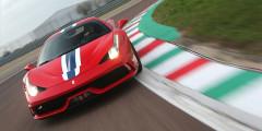 Ferrari 458 Speciale  Изящная 605-сильная Ferrari 458 Speciale разгоняется до 100 км/ч за 3 с, а до 200 км/ч — за 9,1 секунды. Модель, кроме того, имеет самый лучший отклик мотора на работу педалью «газа» — всего 0,06 секунды. За все это придется заплатить ровно 25 млн рублей.