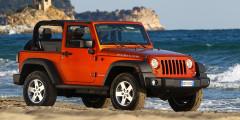Jeep Wrangler  Jeep Wrangler – еще одна легенда. Модель дебютировала в 1987 году, заменив на конвейере Jeep CJ, корни которого отсылают нас к легендарным военным Виллисам. Сейчас в России продается третье поколение модели, которое увидело свет в 2007 году. Ее дорожный просвет составляет 259 миллиметров. А ведь у него есть еще и экстремальная версия Rubicon с усиленными подвесками и крупными внедорожными шинами.
