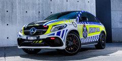 Mercedes-Benz AMG GLE 63S Coupe  На идеальных австралийских дорогах нарушителей ждет 585-сильный Mercedes-Benz AMG GLE 63S Coupe. Этот автомобиль встал на службу полиции в рамках кампании по популяризации безопасной езды.