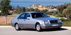 Mercedes-Benz S500 В 1990-х певец приобрел «пятисотый» с кожаным салоном, массажными креслами и пневмоподвеской. В Штаты машину пригнали из Германии.