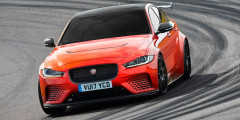 Jaguar XE SV Project 8  Еще один самый мощный и самый быстрый автомобиль в истории бренда – Jaguar SV Project 8. Он комплектуется 5,0-литровым мотором от F-Type SVR мощностью 600 л.с. с максимальным крутящим моментом в 700 Ньютон-метров. Время разгона до 100 км/ч – 3,3 секунды.