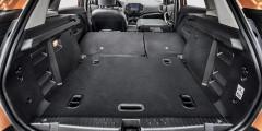 Объем для груза – от 361 л. Погрузочная высота велика. В комплектациях Comfort и Luxe предложен двойной пол багажника. В подполье 15-дюймовая «времянка» на стальном диске.