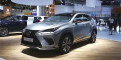 Lexus NX  Мировая премьера обновленного Lexus NX состоялась еще весной в Шанхае, но европейская — во Франкфурте. От предшественника модель отличается видоизмененной решеткой радиатора и новыми светодиодными фарами.