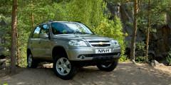 Сhevrolet Niva  Chevrolet Niva занимает 11 место втоп-25 АЕБ (6,6тыс. экземпляров) ипятое место среду иномарок спробегом. За первый квартал 2017г. таких машин было продано на3% меньше, чемгодом ранее –15,1 тысячи.