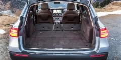Максимальный объем багажника вседорожника, если разложить задний ряд– 1820 литров. Это один из лучших показателей среди одноклассников.