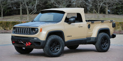 Jeep Comanche 2016  Пикап набазе Wrangler марка Jeep сделать так инерешилась, ноателье Mopar выпустило комплект дляпеределки. Кроме того, наодном из«Пасхальных сафари» показало грузовичок набазе кроссовера Renegade смягким складными верхом. Его колесную базу увеличили на15см, акузов приподняли напять сантиметров. Машину сфиатовским двухлитровым дизелем идевятиступенчатым «автоматом» назвали Comanche—вчесть пикапа из1980-х набазе Cherokee.