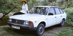 Москвич-2141  41-й «Москвич» должны были оснащать собственными двигателями, номоторный завод натерритории АЗЛК так инедостроили. Уфимских полуторалитровых моторов УЗАМ-331.10 нехватало, инамашину устанавливали тольяттинские двигатели ВАЗ-2106-70 объемом1,6 литра. Вазовский мотор был мощнее, надежнее илучше обеспечен запчастями, поэтому такие версии пользовались большим спросом. Кромених, на«Москвич-2141» серийно ставили уфимский ивазовский моторы объемом1,7л, фордовский дизельи, наконец, двухлитровый бензиновый мотор RenaultF3R, которыйделал автомобиль самым динамичным средивыпускаемых вРоссии.