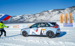 Видео: хот-хэтч Hyundai i30 N установил рекорд скорости на льду Байкала