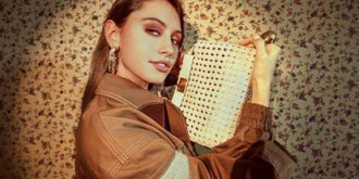 Айрис Лоу в рекламной кампании Fendi Peekaboo
