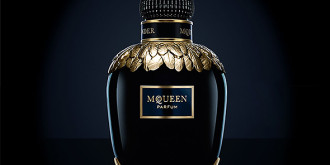 Фото: fragrances.alexandermcqueen.com