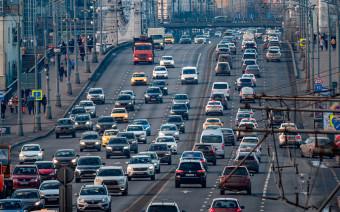 Без машин, но с автосервисами: к чему готовиться водителям в локдаун