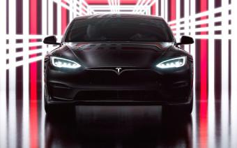 Tesla представила самый быстрый электрокар в мире
