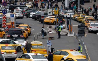 Власти Москвы намерены еще пристальнее следить за такси и каршерингом
