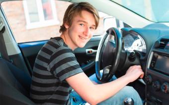 В России появятся юношеские права. За руль пустят с 17 лет, но не всех