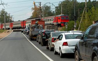 Аварии на переездах. Как водители нарушают и чем это заканчивается