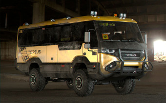 В Чехии разработали школьный автобус для тяжелого бездорожья