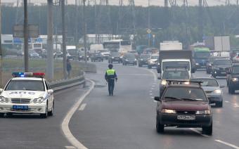 За что могут лишить прав на трассе. Памятка для водителей в дачный сезон