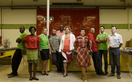 <p>Маленькая команда Yoo! Mart готовится к запуску своего первого магазина:&nbsp;российскую часть составляют выходцы из питерской сети &quot;Лента&quot;, переехавшие в Гану.&nbsp;&nbsp;</p>
