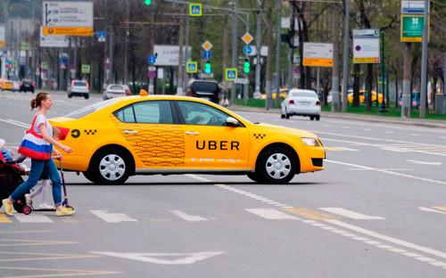 """Весной 2016 года Uber едва не оказался запрещен <strong>в Москве</strong> &mdash; столичный департамент транспорта требовал от компании подписать документ, согласно которому Uber должен взять на себя два обязательства: во-первых, работать только с легальными таксистами, имеющими разрешение на таксомоторную деятельность, во-вторых, передавать данные по движению их автомобилей по городу. В итоге компания приняла решение <a href=""""http://www.rbc.ru/technology_and_media/14/03/2016/56d4cf279a7947378772ee1b"""">согласиться</a> на условия московских властей."""