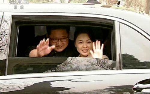 <p>Визит лидера КНДР Ким Чен Ына в Китай стал его первым выездом за рубеж с момента прихода к власти в 2011 году. Поводом для поездки в Пекин стало переизбрание Си Цзиньпина на пост председателя КНР.</p>