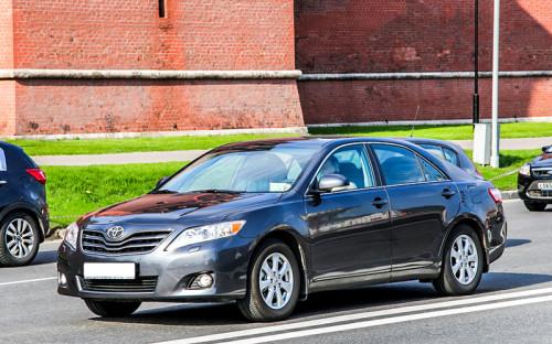 """<p><span style=""""font-size:16px;""""><strong><span style=""""line-height: 1.6;"""">Toyota</span></strong></span></p>  <p>Самая популярная марка машины среди&nbsp;кандидатов в&nbsp;Государственную думу&nbsp;&mdash;&nbsp;Toyota. 465 человек отдают предпочтение именно&nbsp;этому бренду. Большинство машин (54&nbsp;шт.) 2008 года.&nbsp;Кандидат от&nbsp;партии &laquo;Яблоко&raquo; Павел Жуков владеет Toyota Tercel 1986 года.</p>"""