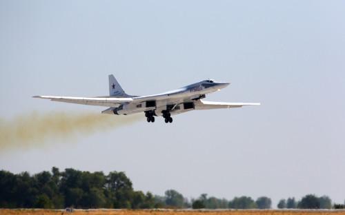Стратегический бомбардировщик-ракетоносец Ту-160