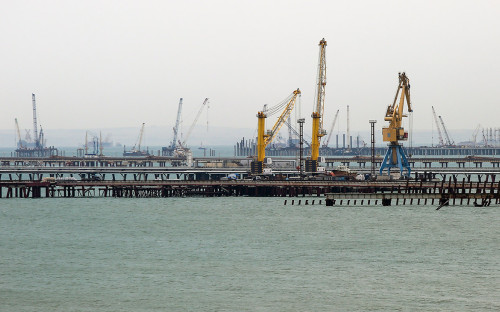 Вид на морской порт Тамань