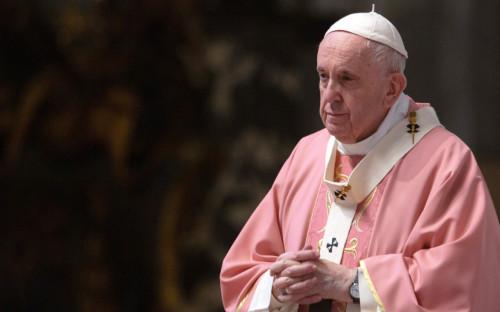Папа римский назвал возмутительными войны во время пандемии коронавируса