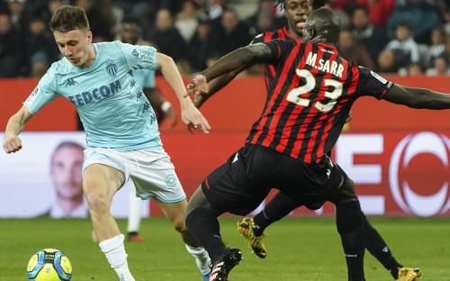 Александр Головин (слева) в матче за «Монако»