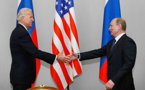 <p>Джо Байден и&nbsp;Владимир Путин</p>