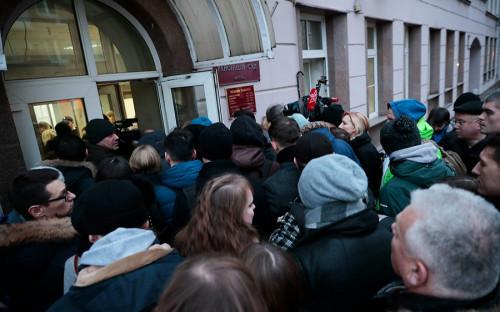 Оглашение приговора экс-министру Алексею Улюкаеву прошло в Замоскворецком суде города Москвы.