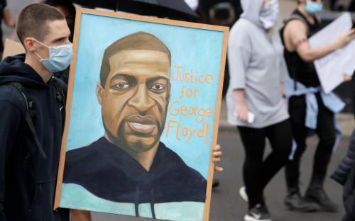 В США закончилась первая неделя суда по делу Джорджа Флойда