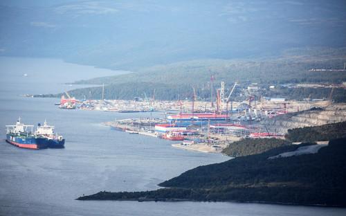 Порт компании «Новатэк» в поселке Белокаменка